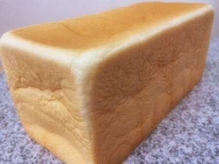 角形食パン